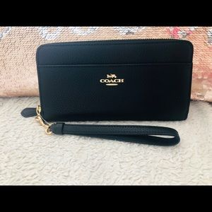 Coach wallet accordion zip black